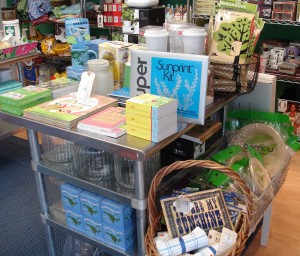 green-table-at-the-store